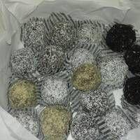 Τρουφάκια με ζαχαρούχο και πτι-μπερ Greek Sweets, How To Dry Basil, Herbs, Recipes, Foodies, Rezepte, Recipe, Herb