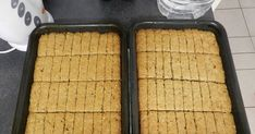 Buttermilk Rusks, Bread Recipes, Cooking Recipes, Oven Pan, Self Rising Flour, South African Recipes, Oven Racks, Biscuit Recipe, Muesli