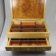 jewelry box wood Curly Maple with Maple Burl от KnotheadsWoodshed