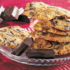 cookies med chokolade og noedder