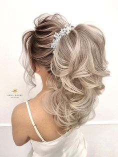 Bridal look // blonde hair Bridal Looks, My Beauty, Ponytail, Blonde Hair, Long Hair Styles, Photo And Video, Instagram, Yellow Hair, Pony Tails