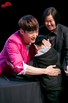 Who would not touched with uri hottie warmhearted man? Choi Jin Hyuk, Dragon Heart, Korean Drama, Pretty Boys, Kdrama, Actresses, Actors, Elephant Art, Agra