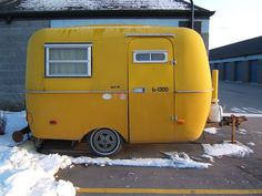 new plan, no cave just a cute little trailer