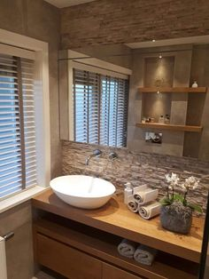 Good Screen Rustic Bathroom countertops Popular Some sort of rustic bathroom is frequently characterised simply by fascinating quirks plus the emplo Guest Bathrooms, Small Bathroom, Bathroom Ideas, Diy Bathroom Remodel, Bathroom Countertops, Bathroom Interior Design, New Homes, House, Decor Ideas