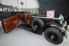 For a long time considered that black Mercedes 320B in the Army Museum Žižkov in Prague belonged to Reinhard Heydrich