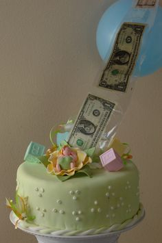 Surprise there& money on Baby Shower beautiful cake. Surprise there& money on the inside. Surprise there& money on the inside. Money Birthday Cake, Money Cake, Cake Icing, Fondant Cakes, Cupcake Cakes, Beautiful Cakes, Amazing Cakes, Surprise Inside Cake, Cake Decorating For Beginners
