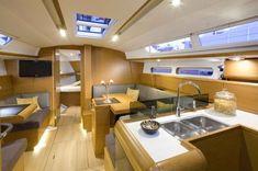 Jeanneau Sun Odyssey 409 interior.