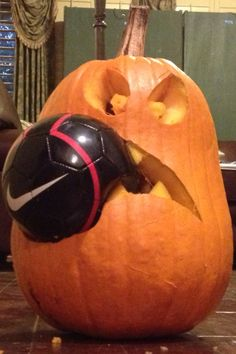 I don't think I would mess with this pumpkin! Sporty Halloween Costumes, Halloween Party Decor, Holidays Halloween, Halloween Crafts, Holiday Crafts, Cute Pumpkin Carving, Diy Pumpkin, Pumkin Ideas, Soccer Decor