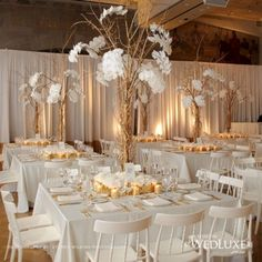 Nice 40+ Glamorous Gold Wedding Decorations Ideas  https://oosile.com/40-glamorous-gold-wedding-decorations-ideas-11507