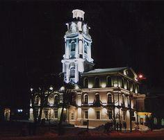 Главная ратуша. Ночной город