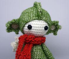 Dirk der Drache von PIDesignStore auf Etsy Crochet Hats, Christmas Ornaments, Holiday Decor, Design, Etsy, Home Decor, Dragons, Handarbeit, Tutorials