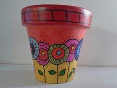 Más flores! Flower Pot Art, Mosaic Flower Pots, Mosaic Pots, Flower Pot Crafts, Clay Pot Crafts, Pebble Painting, Pottery Painting, Ceramic Painting, Pebble Art