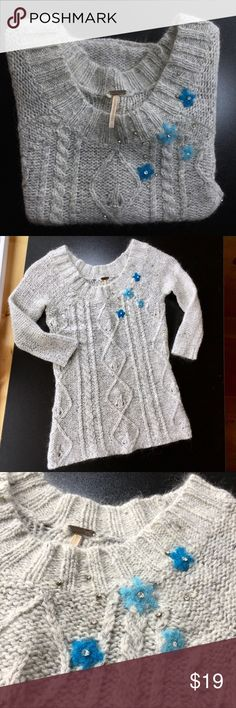 🦋FREE PEOPLE MOHAIR WOOL BLEND SWEATER 🦋FREE PEOPLE MOHAIR WOOL BLEND SWEATER. NO STAINS PILLING- ORIGINAL TAGS LEFT GAP IN KNIT ON BACK... REFLECTS IN PRICE. CUTE WITH ALL EMBELLISHMENTS IN PLACE. Free People Sweaters Crew & Scoop Necks