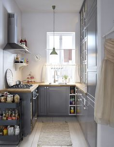 home kitchens ideas ~ home kitchens ; home kitchens ideas ; home kitchens small ; home kitchens cabinets ; home kitchens design ; home kitchens indian ; home kitchens modern ; home kitchens organization Small Space Kitchen, Little Kitchen, New Kitchen, Kitchen Dining, Kitchen Cabinets, Grey Cabinets, Kitchen Decor, Small Spaces, Kitchen Cart