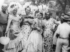 Em 1946, persistia a fantasia de baiana nos desfiles de blocos e no carnaval de rua Foto: Terceiro / Agência O Globo