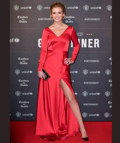 Rachel Riley Photos - Rachel Riley attends the United for Unicef Gala Dinner at Old Trafford on November 2017 in Manchester, England. - United for Unicef Gala Dinner - Red Carpet Arrivals Baby Blue Dresses, Satin Dresses, Rachel Riley Legs, Racheal Riley, Silk Evening Gown, Natural Red Hair, Gala Dinner, Metallic Dress, Tall Women