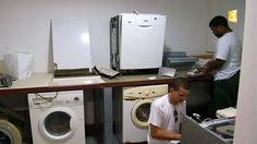 La ressourcerie léla : première ressourcerie de La Réunion - Ladilafé & co.overblog.com Palette, Washing Machine, Home Appliances, Cabinet, Storage, Furniture, Home Decor, Fine Furniture, Organization