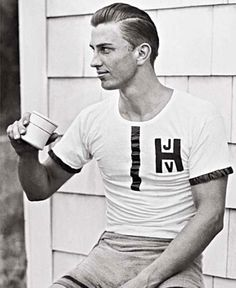 Young Franklin Delano Roosevelt must be every high school girl's dream crush 😍 Typographie Inspiration, Rowing Blazers, Franklin Delano, Ivy League Style, Ivy Style, Men's Style, American Presidents, American History, Before Us