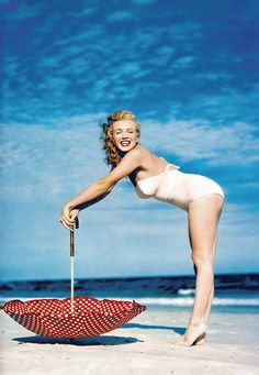 Marilyn Monroe...what real women are supposed to look like