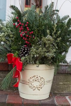 Easy to make Christmas Planters