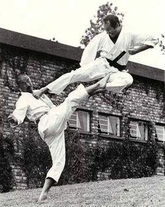 Yi kwon taekwondo terminology fist finger