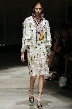 Prada Spring 2016 Ready-to-Wear Fashion Show - Mayka Merino