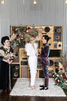 Celebrating the anniversary of Ziggy Stardust with this glam rock David Bowie-inspired wedding inspiration Edgy Wedding, Wedding Styles, Dream Wedding, Wedding Day, Summer Wedding, Glam Rock, David Bowie, What A Nice Day, Las Vegas Weddings