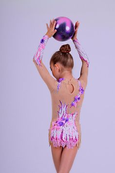 Etsy の Rhythmic gymnastics leotard by AtelieFenix