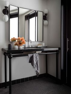 NICOLEHOLLIS-THE-BUCHANAN-SAN-FRANCISCO-BATHROOM-T.jpg (1536×2048)