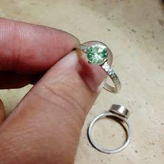 gracias por el apoyo @marcocastellacci  sos un amor de hermano... #engagementring #solitaire #silver #modernjewelry #loveit #anillocompromiso #anillocompromiso #solitario #plata  #joyeriamoderna #amolo
