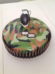Camo cake for my nephew Jeff's 13th birthday.