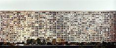 Paris, Montparnasse. Glaçante visualisation entre l'homme et l'architecture, mêlant esthétisme et abstraction.