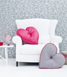 Heart shape cushion with pattern