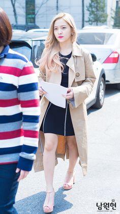 Airport Fashion Kpop, Red Valvet, Kim Yerim, Airport Style, Seulgi, Korean Singer, Kpop Girls, Girl Fashion, Velvet