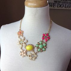 Necklace {Floral.Pinks.Peaches.Greens.Yellows.Oranges} Gold
