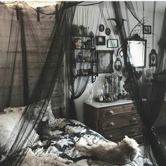 "@gothicdreamers no Instagram: ""Bedroom goals by:@taxilhoax . . . . . . .#bedroom #bedgoals #goals #instagoth #goth #gothic…"""