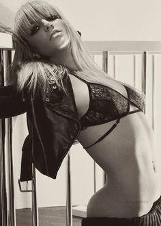 Britney Spears, so freakin' sexy Blond, Britney Spears Photos, Britney Jean, Beauty Shots, Lingerie, American Singers, Pretty Woman, Actors & Actresses, Ballerina