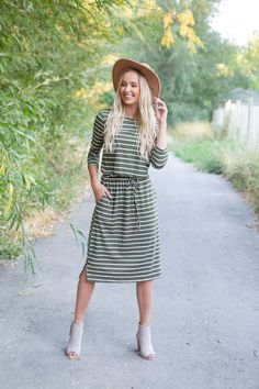 New ladies fashion summer Source by annikamrz dresses casual Modest Dresses, Modest Outfits, Cute Dresses, Casual Dresses, Cute Outfits, Modest Clothing, Church Dresses, Girly Outfits, New Ladies Fashion
