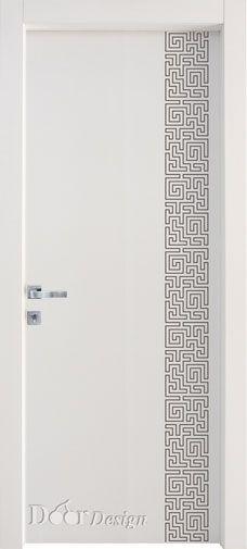 di-5105 - דלתות פנים - סדרת דמיון מורכב החריטה על הדלת כוללת פס אנכי בצד ימין של הדלת בצורת מבוך על פני כל גובה הדלת. הדוגמא יוצרת פס בעל טקסטורה מעודנת שמקנה לדלת יופי מושך עין. . .