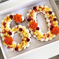 "337 mentions J'aime, 8 commentaires - Adi Klinghofer (@adikosh123) sur Instagram: ""60 שמח! ושבוע טוב  #gargeran #biscuit #strawberry #flower #vanilla #raspberry #lovefood"""