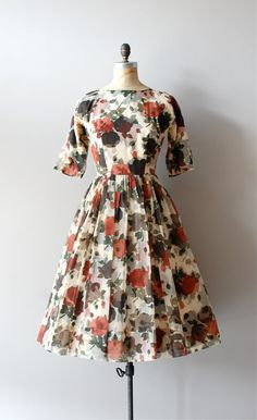vintage 1950s Bokeh Leaf dress     #fashion #floral #dress #1950s #partydress #vintage #frock #retro #sundress #floralprint #petticoat #romantic #feminine