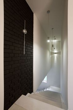 Dom Z3 foto: N. Banaszyk   stylizacja: A. Drogowska   proj. Arch. HESS pracownia projektowa, stairs Dom, Bathtub, Bright, Lighting, Home Decor, Stairs, Standing Bath, Bathtubs, Decoration Home