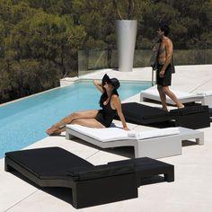 JUT - Contemporary sun lounger / polyethylene / garden / recyclable by VONDOM Murcia, Attic Bedroom Decor, Public Space Design, Nautical Bathroom Decor, Brick Paneling, Duplex House Design, Lounge Chair, Country Lifestyle, Contract Furniture