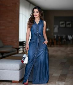 51 women s wardrobe with less than a denim outfit page 45 of 51 Denim Maxi Dress, Denim Outfit, Jeans Dress, Dress Skirt, Denim Dresses, Denim Fashion, Look Fashion, Modest Fashion, Fashion Dresses