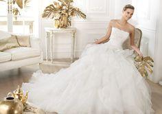Pronovias presents the Leante wedding dress. Dreams 2014.   Pronovias