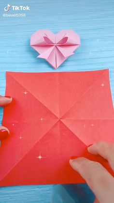 Instruções Origami, Origami And Kirigami, Paper Crafts Origami, Easy Paper Crafts, Diy Paper, Origami Videos, Diy Crafts Hacks, Diy Crafts For Gifts, Easy Christmas Crafts