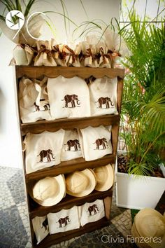 Can purchase canvas totes and hand stamp on them! Jungle Theme Birthday, Safari Theme Party, Wild One Birthday Party, Safari Birthday Party, Jungle Party, 3rd Birthday Parties, Kids Party Themes, Ideas Party, Giraffe Party