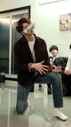 Namjoon + dark hair + fun = life is complete Seokjin, Kim Namjoon, Kim Taehyung, Jung Hoseok, Foto Bts, Bts Photo, Mixtape, Rapper, Les Bts