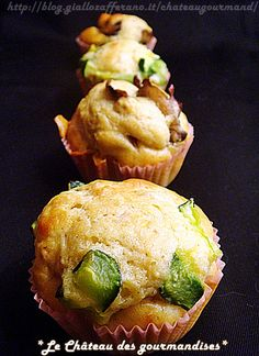 Muffins con farina di ceci, funghi e zucchine - Chickpea flour muffins with mushrooms and zucchini