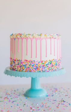Cute Birthday Cakes, Homemade Birthday Cakes, Beautiful Birthday Cakes, Sprinkle Birthday Cakes, Birthday Cakes For Girls, Birthday Cake Recipes, Sprinkle Cakes, Colorful Birthday Cake, Birthday Gifts